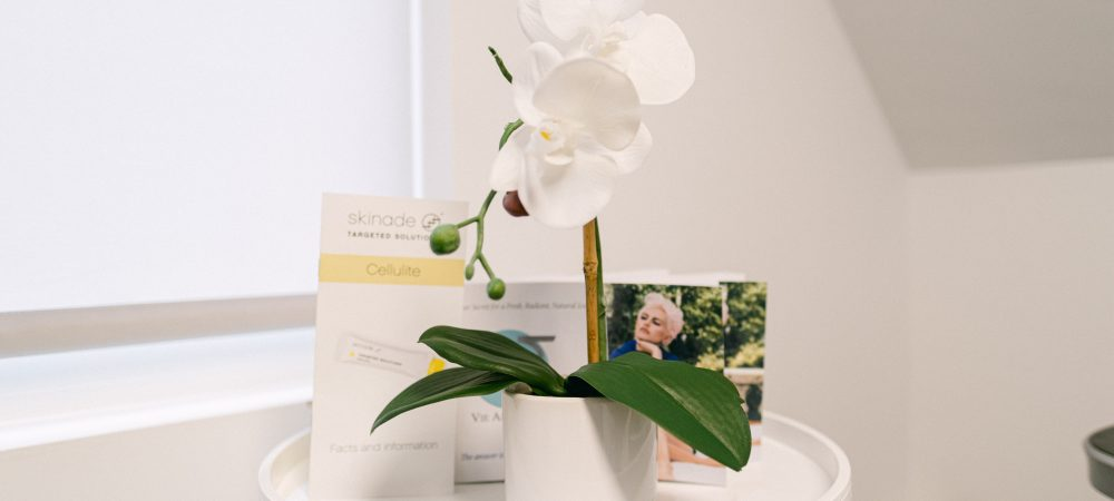 Vie Aesthetics Rayleigh clinic with flower